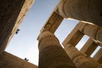 Масивні колони в храмах Карнак — стокове фото