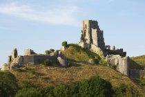 Древний разрушенный замок — стоковое фото