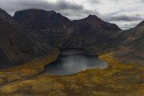 Sienite laghi profondi all'interno di Tombstone Territorial Park — Foto stock