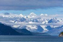 Снігу capped Fairweather гірський хребет — стокове фото