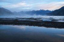 Windy evening on Kluane Lake — Stock Photo
