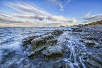 Crash de vagues de la mer — Photo de stock