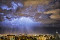 Lightning lights up — Stock Photo
