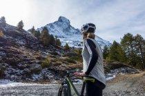 Горный велосипед возле Церматт — стоковое фото