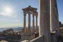 Руїни храму Траяна — стокове фото