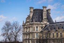 Auf dem Dach des Louvre in Paris — Stockfoto