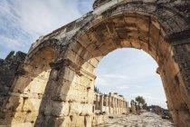 Roman city of Pamukkale — Stock Photo