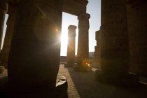 Ramesseum contro la luce del sole — Foto stock