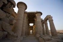 Ramesseum палац проти синього неба — стокове фото