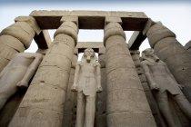 Tempio di Luxor con statue — Foto stock