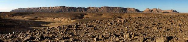 Dry Land Below A Mountain Range — Stock Photo