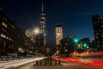 World Trade Center in der Dämmerung; New York City, New York, Vereinigte Staaten von Amerika — Stockfoto