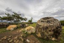 Мегалітичні камінь банки на сайті 1 рівнина банки; Xiangkhouang, Лаос — стокове фото