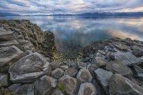 Basalte colonne près de la ville de Hofsos ; Islande — Photo de stock