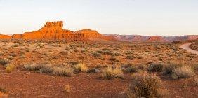 Vista panorámica del Valle de los Dioses, formación de arenisca de siete marineros, compuesto cosido; Utah, Estados Unidos de América - foto de stock