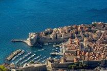 Veduta della Fortezza di San Giovanni e della Città Vecchia di Dubrovnik; Contea di Dubrovnik-Neretva, Croazia — Foto stock