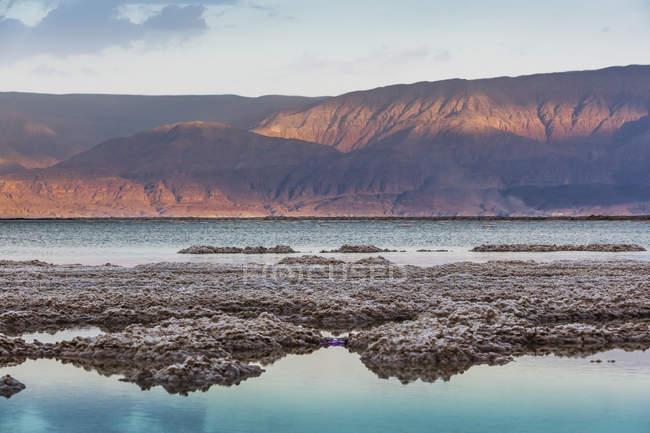Formações de sal em água salgada — Fotografia de Stock