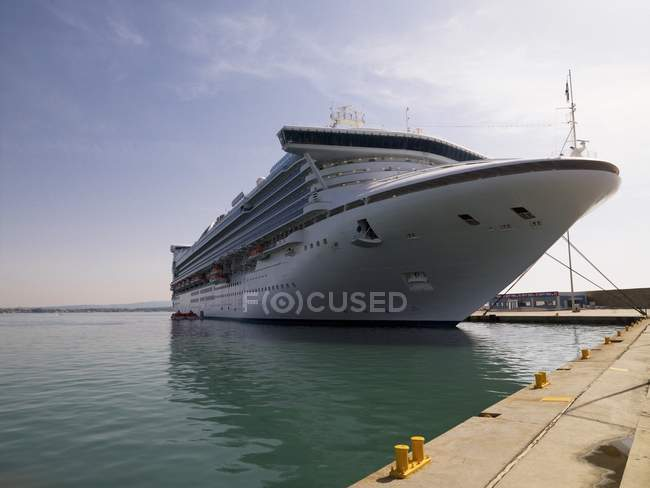 Venice, Italy; Cruise Ship At Port — Stock Photo