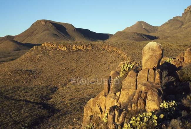 Ai piedi delle montagne di Chisos — Foto stock