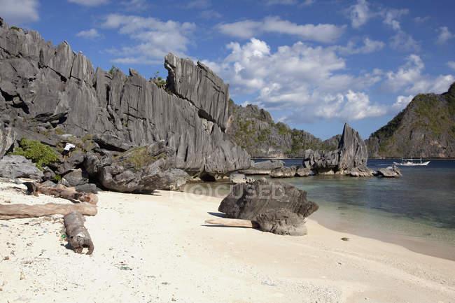 Formazioni rocciose calcaree — Foto stock