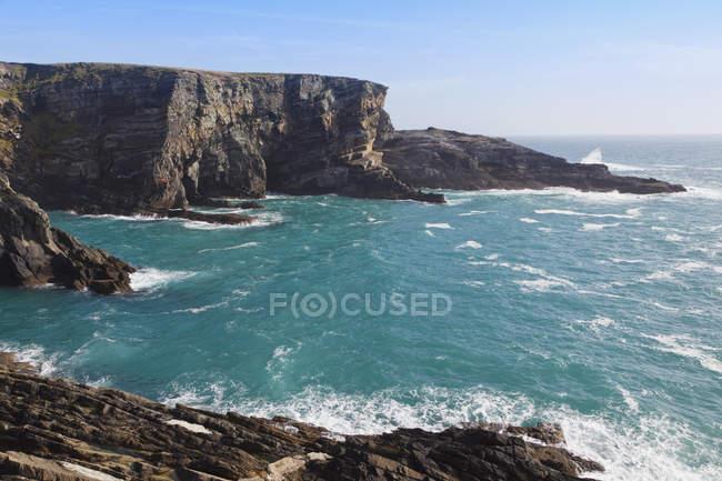 Вид на скалистые утесы — стоковое фото