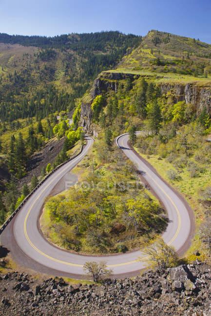 Старое шоссе в ущелье реки Колумбия — стоковое фото