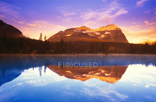 Scenic Lake with clear water — Stock Photo