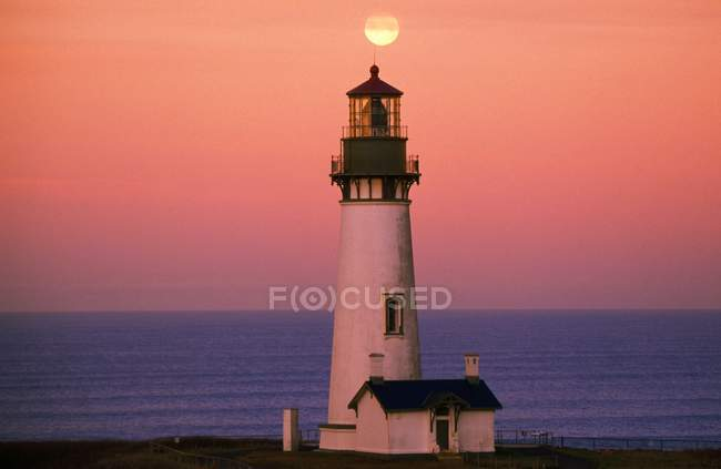 Sunset Over Lighthouse — Stock Photo