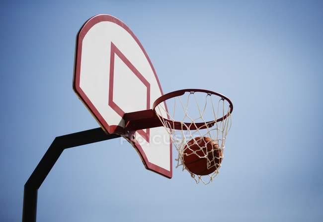 View of basketball hoop — Stock Photo