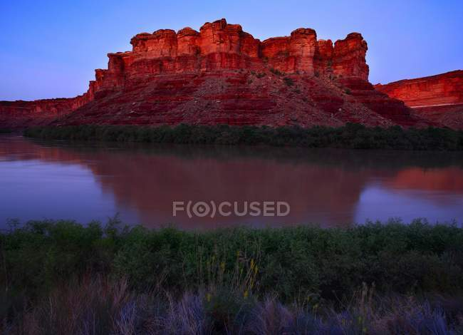 Sunset Over Red Cliffs — Stock Photo
