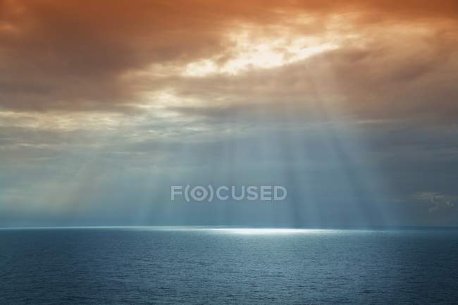 Sun Breaking Through Cloud — Stock Photo