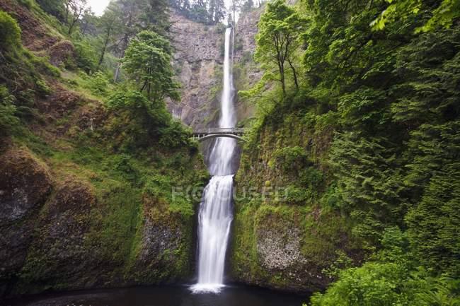 Multnomah Falls im Columbia River — Stockfoto