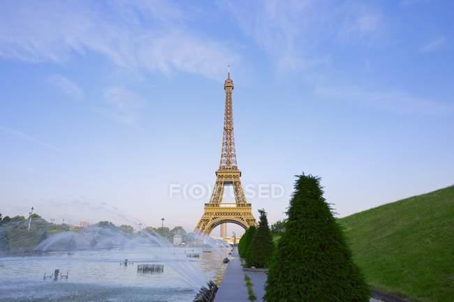Torre Eiffel e giardini — Foto stock