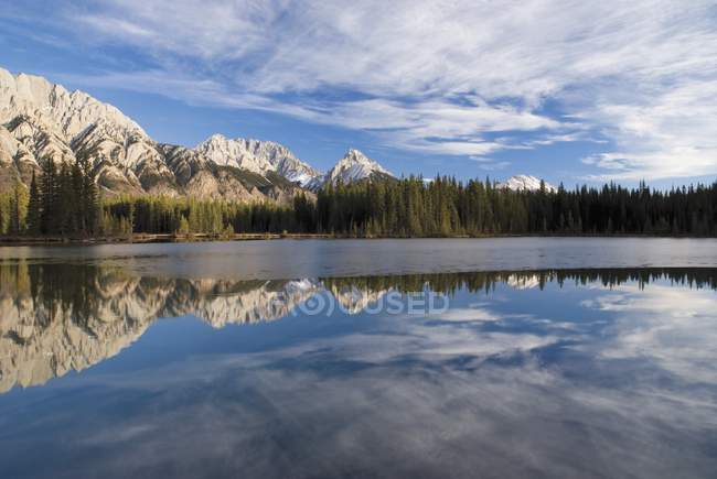 Spillway Lake In Kananaskis Country — Stock Photo