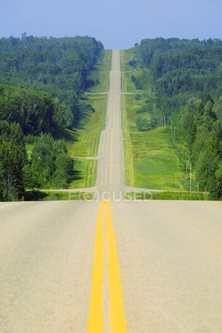 Scenic Highway with green fields — Stock Photo