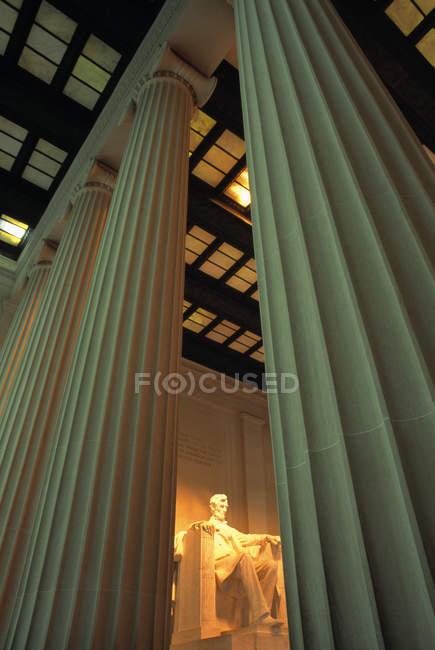 Lincoln Memorial all'interno di edificio — Foto stock