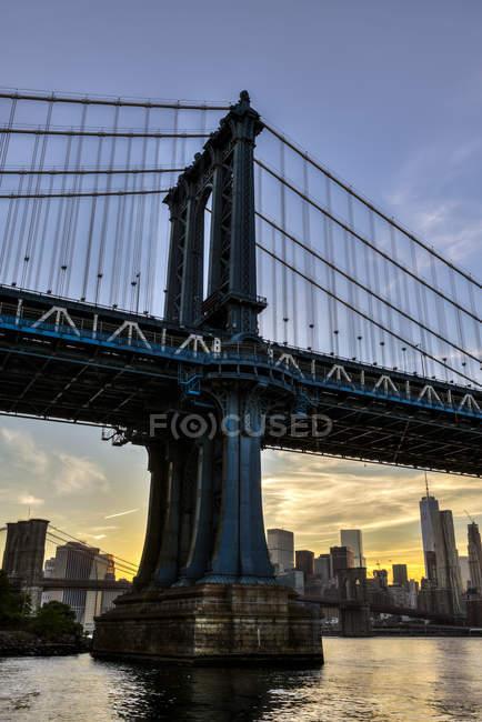 Pont de Manhattan et skyline — Photo de stock