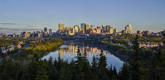 Skyline von Downtown Edmonton — Stockfoto