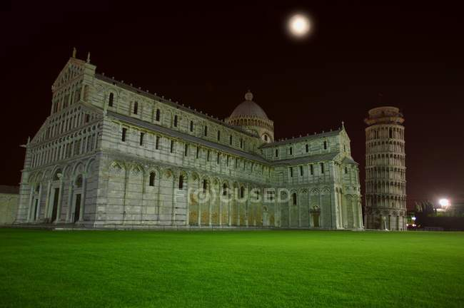 Torre inclinada de Pisa - foto de stock