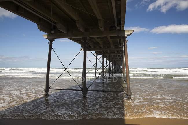 Masse sur la plage de sable — Photo de stock