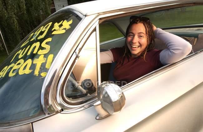 Girl Test Driving Car — Stock Photo