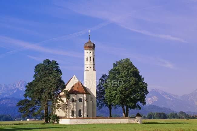 Iglesia de Baviera cerca de Füssen, Baviera, Alemania - foto de stock