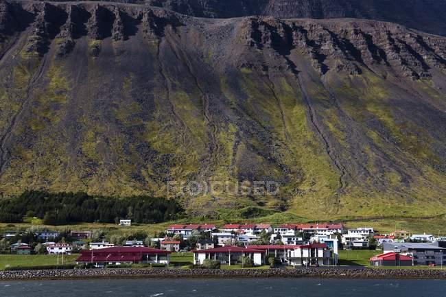 Порт Isafjordur, Западный регион фьордов — стоковое фото