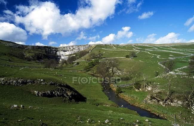 Pastagens em Yorkshire contra o céu — Fotografia de Stock
