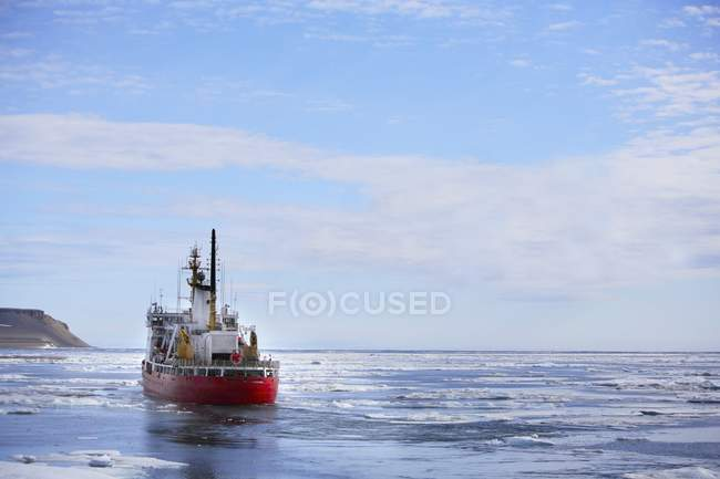 Icebreaker Ship On Water — Stock Photo