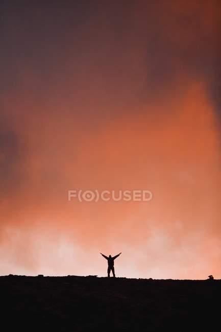 Silhouette einer Person am Himmel — Stockfoto