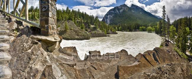 Річки Боу Банф, Альберт — стокове фото