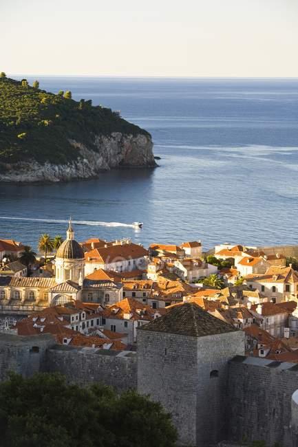 Стіною міста Дубровник — стокове фото