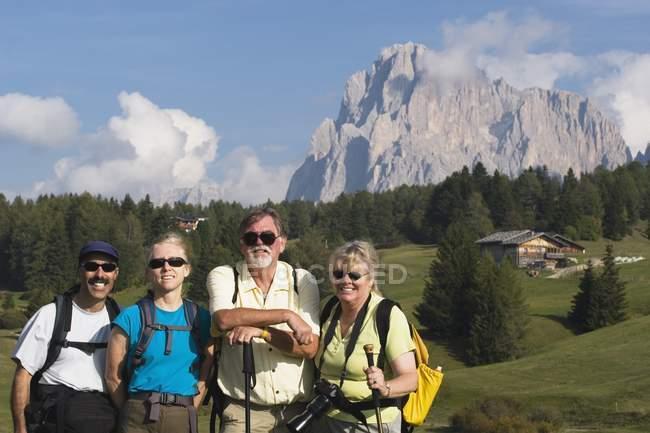 Hikers looking at camera — Stock Photo