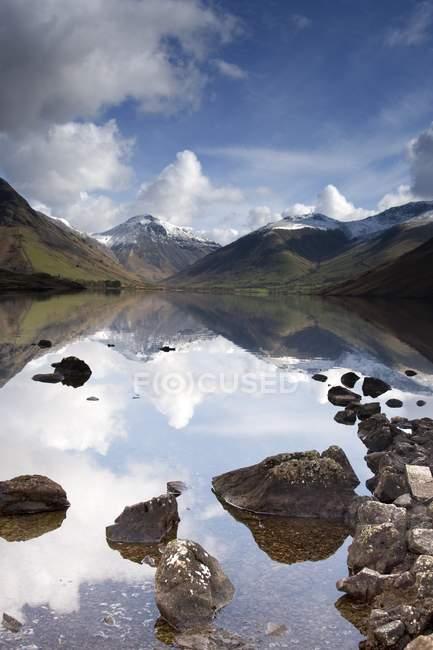 Montagne e lago, Lake District — Foto stock